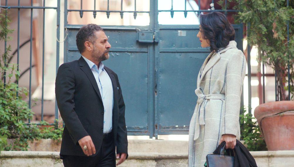 Azmi decide ayudar a Kismet con un secreto… ¿para sacar a Arif de la cárcel?