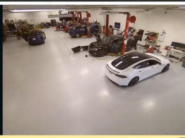 Interior fábrica de Tesla
