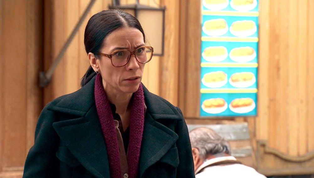 Manolita se enfrenta a María, convencida de frenar el artículo que lo cambiaría todo