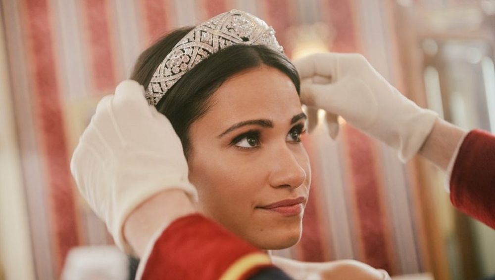 Tiffany Smith como Meghan Markle