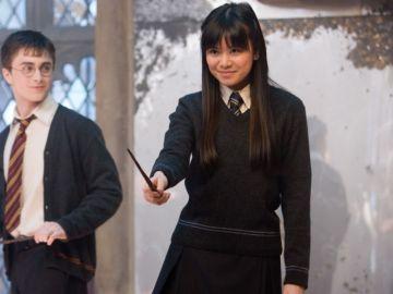 Katie Leung junto a Daniel Radcliffe en 'Harry Potter'