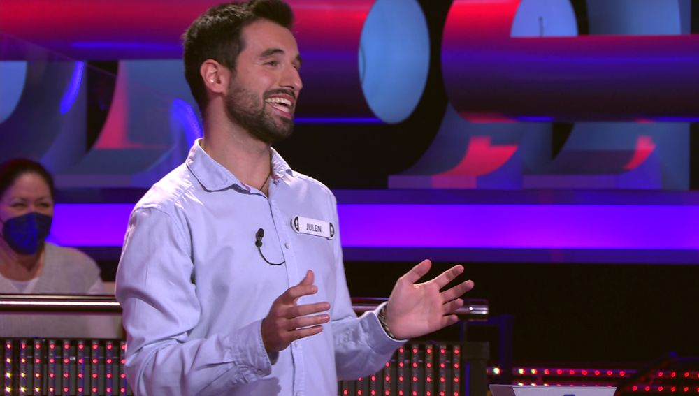 Un concursante deja boquiabierto a Arturo Valls hablándole sobre 'Futgolf' en '¡Ahora caigo!'