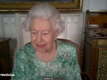 La reina Isabel II reaparece tras la entrevista a Harry y Meghan