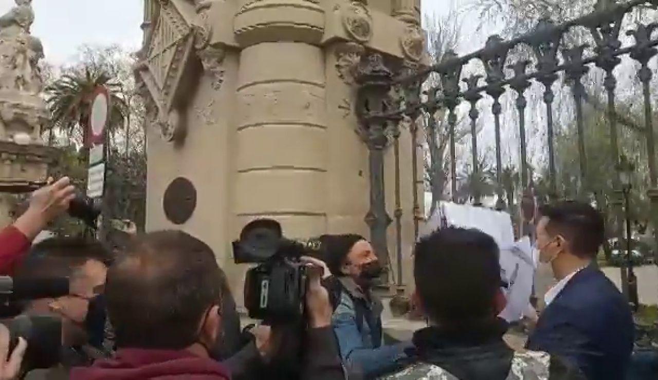 Vox irrumpe en el Parlament catalán con una alianza en contra del partido de Santiago Abascal