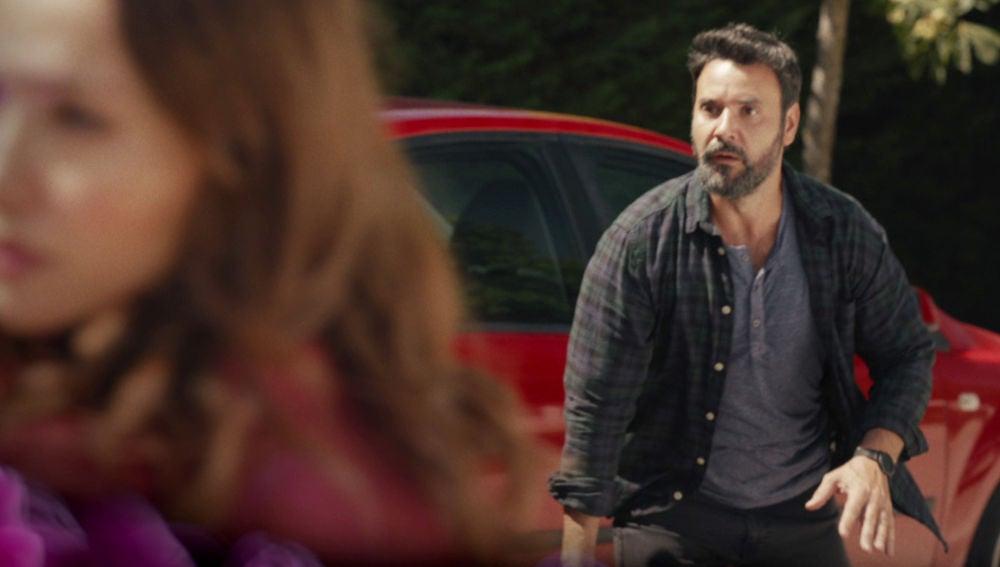 La vida de Cristina al límite: Sergio se interpone para evitar un brutal atropello