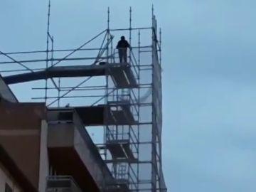 Un hombre amenaza con suicidarse en Álava si no le dejan ver a sus hijos