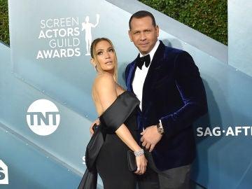 Jennifer Lopez y Álex Rodríguez desmienten su ruptura.