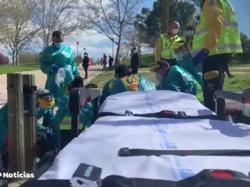 Un patinador se da a la fuga en Madrid después de atropellar a una mujer y dejarla en estado muy grave