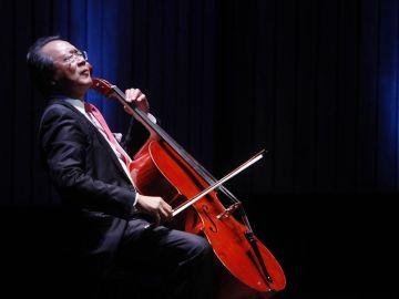 El reconocido violonchelista chino-estadounidense Yo-Yo Ma.