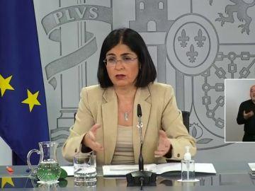 """Carolina Darias llama a la calma tras la suspensión de la vacunación con AstraZeneca: """"España solo tiene un caso, estamos investigando"""""""