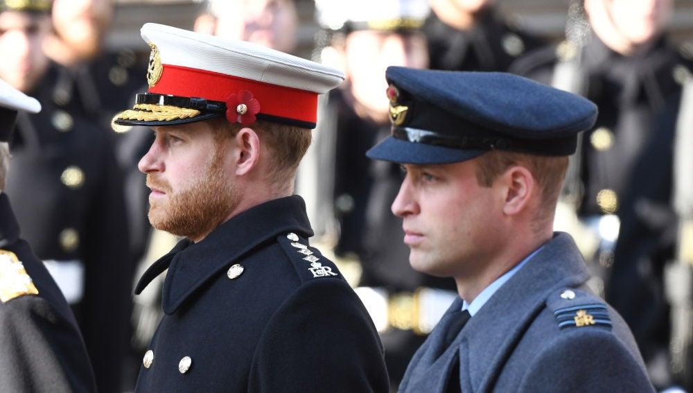 El príncipe Guillermo y su hermano Harry