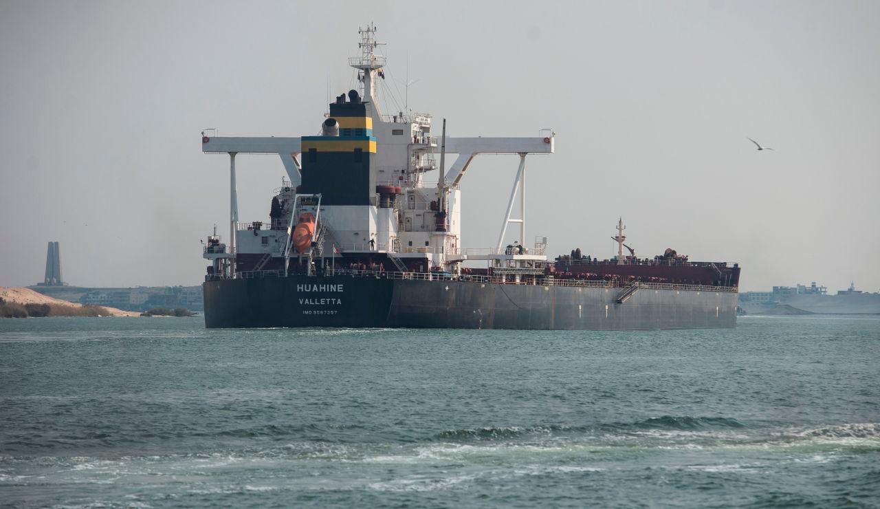 El desbloqueo del Ever Given recuerda a las operaciones del Concordia o el Kursk