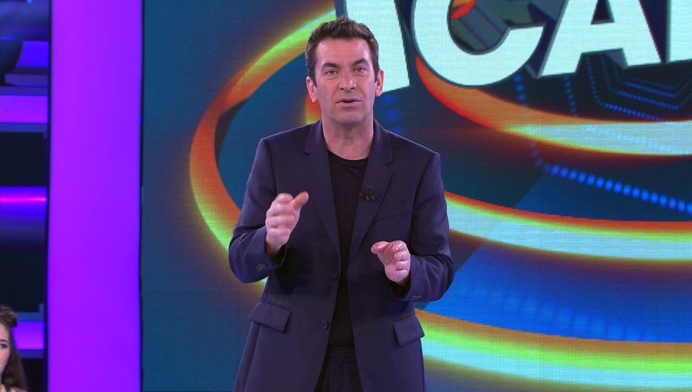 Arturo Valls se queda sin merendar por la nueva mecánica de '¡Ahora caigo!'