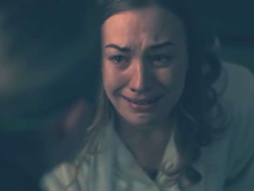 Yvonne Strahovsky como Serena en 'El cuento de la criada'