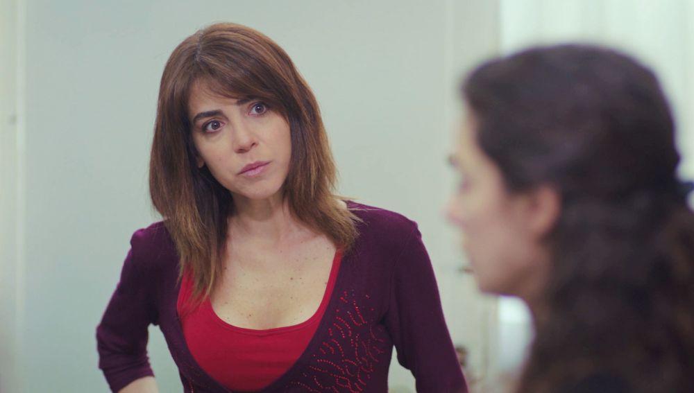 Ceyda, preocupada por Bahar y Hatice al descubrir la causa de su despido