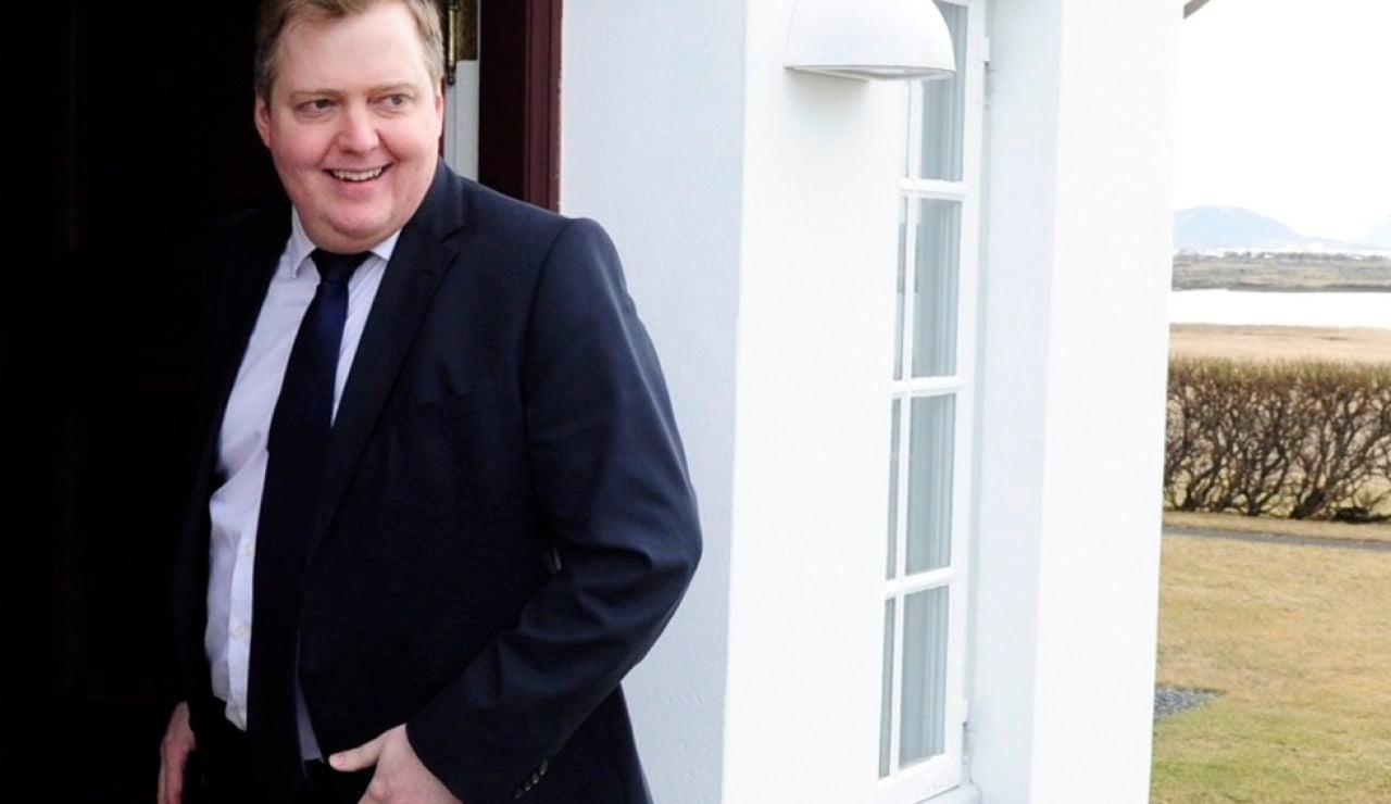Efemérides de hoy 5 de abril de 2021: Dimisión del primer ministro de Islandia