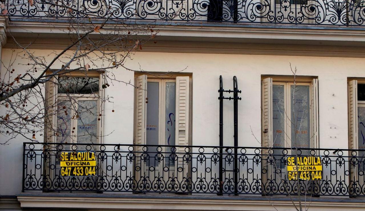 Detienen a una pareja que estafó 500.000 euros por subarrendar pisos como apartamentos turísticos