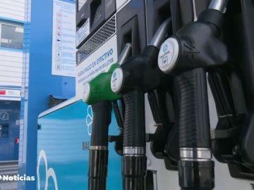 El precio de la gasolina y el gasóleo baja por primera vez desde noviembre