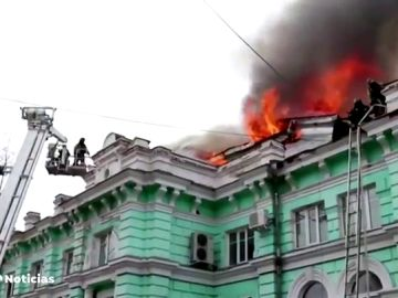 Médicos rusos consiguen terminar una operación a corazón abierto en un hospital en llamas
