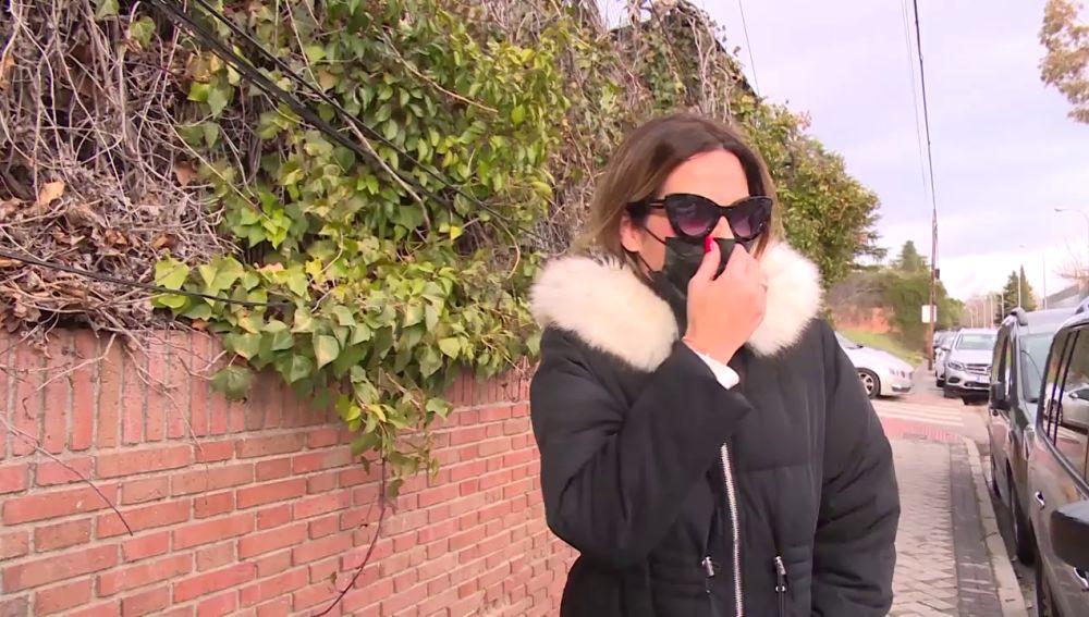 Tamara Gorro enseña su dedo tras su accidente con el microondas