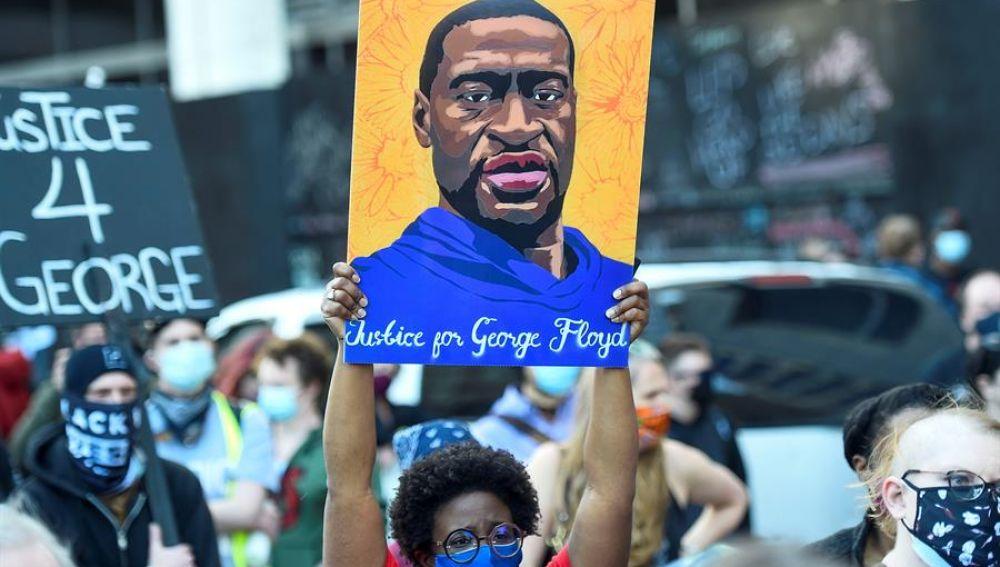 """Un investigador de homicidios en el juicio por la muerte de George Floyd: """"La fuerza fue totalmente innecesaria"""""""