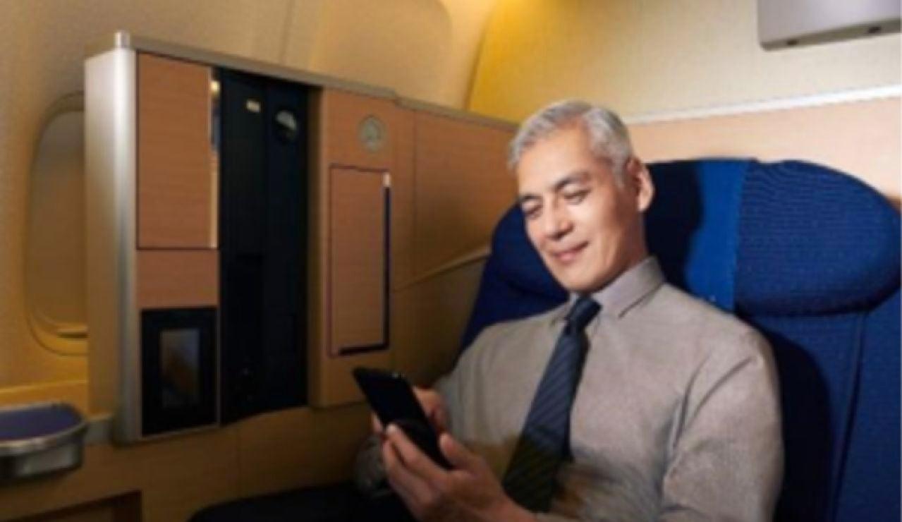 Cenas de lujo por 450 euros a bordo de un avión para combatir la crisis del coronavirus en Japón