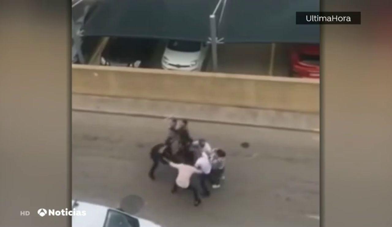 Acorralan y agreden a dos policías locales que intentaban parar una macrofiesta en Capdepera, en Mallorca