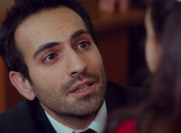 Demir ruega a Öykü saber la verdad tras perder su custodia