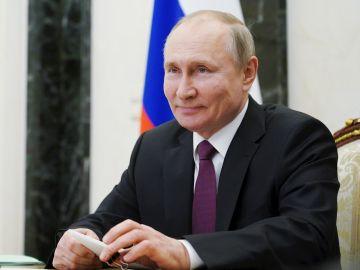 Vladimir Putin firma una ley que le permitiría seguir en el poder hasta 2036