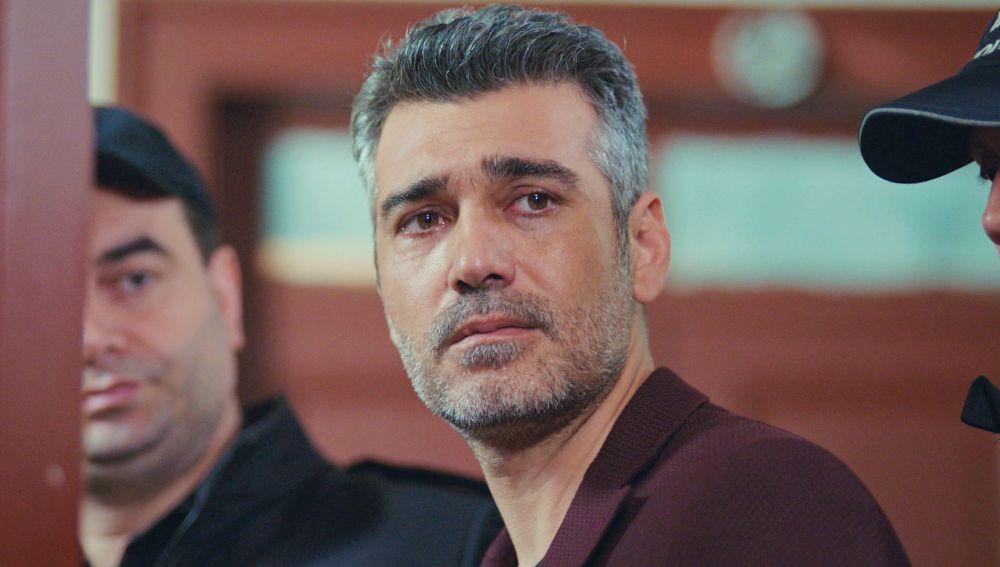 Sarp, detenido: el desgarrador llanto de Nisan al ver cómo se llevan a su padre