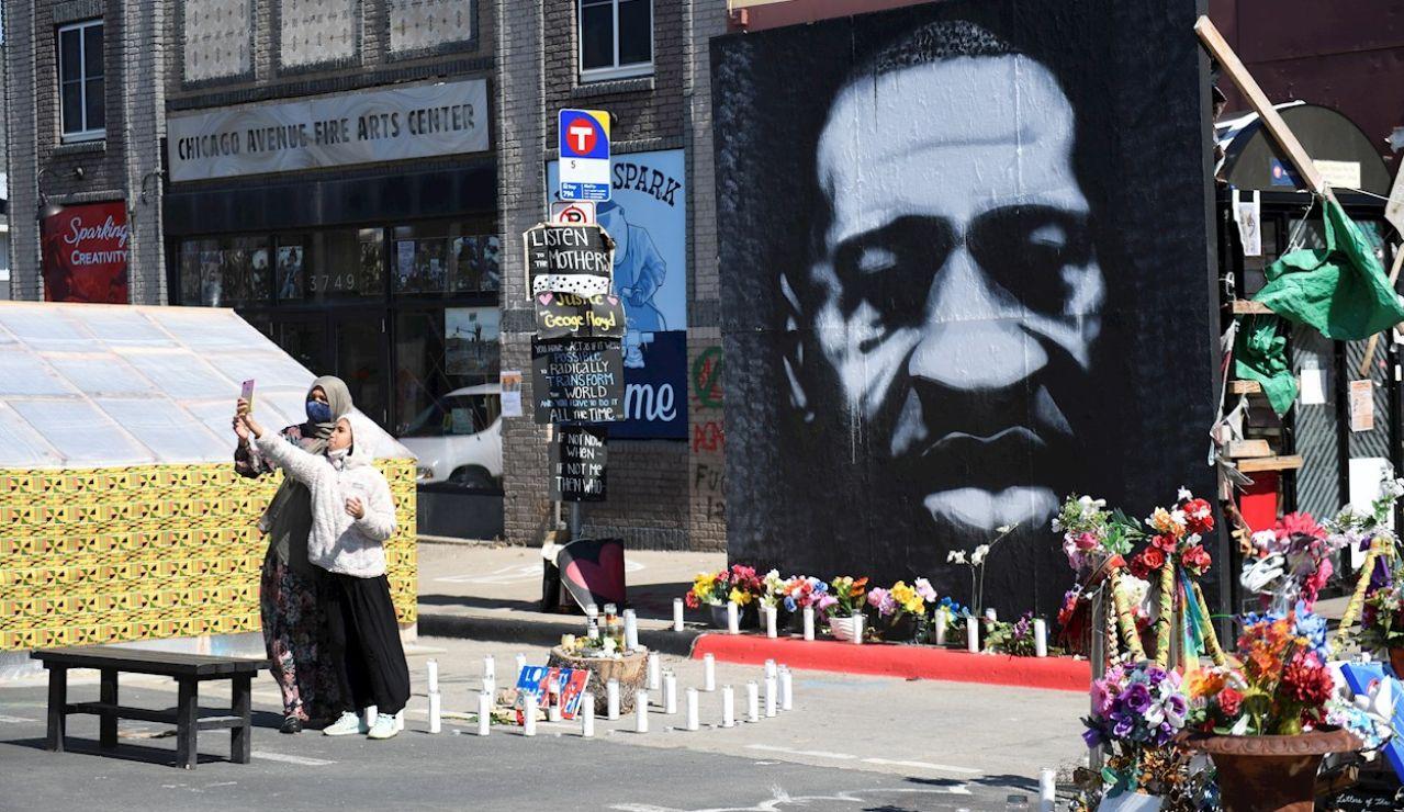 """El jefe de policía de Minneapolis, en el juicio por la muerte de George Floyd: """"Presionar de esa forma el cuello con la rodilla viola el código policial"""""""