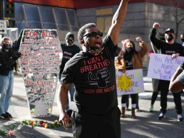 Manifestantes contra el abuso de la fuerza policial en EEUUU