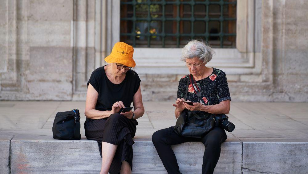 Valencia estudia crear un bono turístico para mayores de 65 años si el programa del Imserso se retrasa