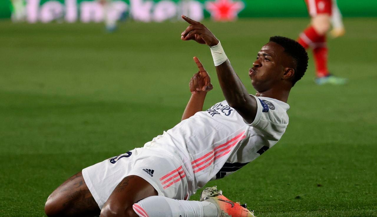 Vinícius celebra un gol ante el Liverpool