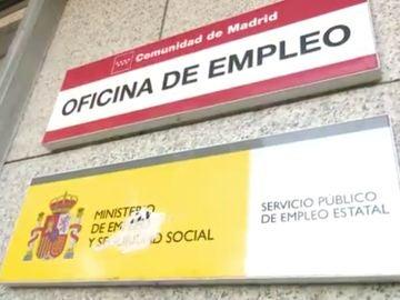 Antena 3 Noticias 2 (06-04-21) El paro desciende en España un 1,48% y baja de los 4 millones