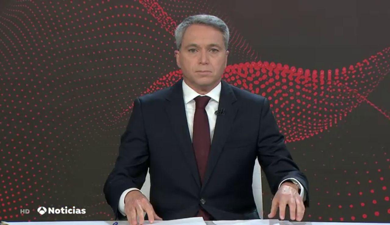 """Vicente Vallés recuerda los tres """"es el principio del fin de la pandemia"""" de Pedro Sánchez"""