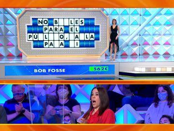 el público aplaude una respuesta incorrecta de Patricia