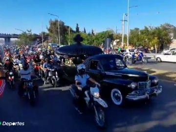 Multitudinario adiós al Wey Zapata, el piloto de motocross que competía con un solo brazo y murió en una carrera