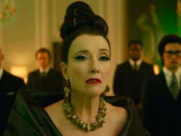 Emma Thompson como la Baronesa Von Hellman en 'Cruella'