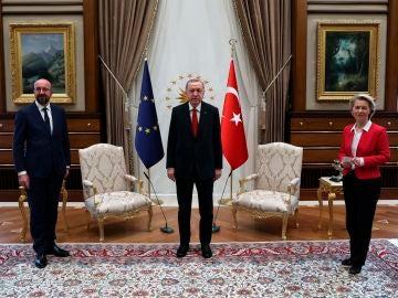 Charles Michel, Recep Tayyip Erdoğan y Ursula Von der Leyen