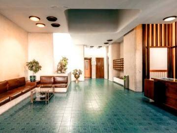 Vecinos y arquitectos consiguen declarar patrimonio histórico andaluz el portal de su edificio