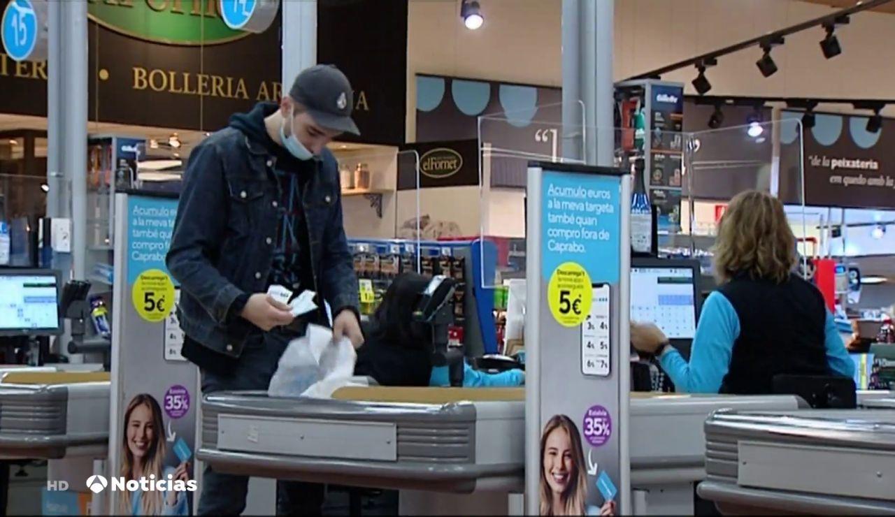 Patronales de supermercados piden que se vacune al personal contra el coronavirus por ser esencial