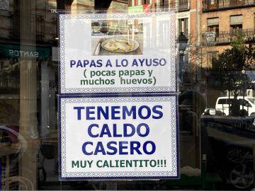"""""""Pocas papas y muchos huevos"""", así es el plato de un hostelero en homenaje a Isabel Díaz Ayuso"""