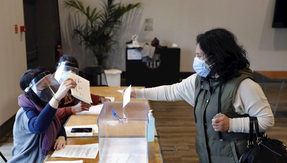 ¿Cuándo se conocerá si formas parte de una mesa electoral en las elecciones de Madrid?