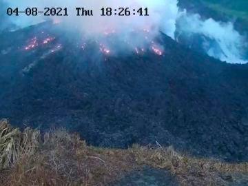 La isla caribeña de San Vicente es evacuada por la erupción del volcán La Soufriere