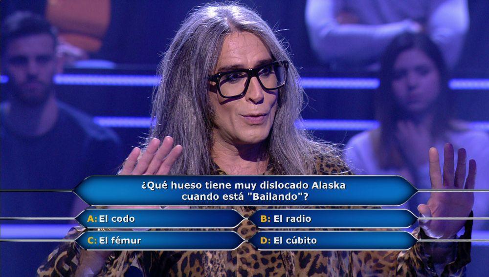 ¡Increíble! Mario Vaquerizo duda con una canción de Alaska en '¿Quién quiere ser millonario?'