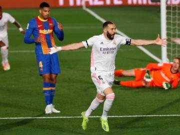 Un Real Madrid pletórico vence al Barcelona y se pone líder momentáneo de la Liga Santander