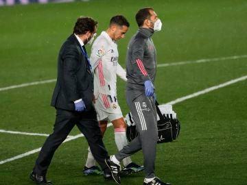 Lucas Vázquez sufre una esguince en el ligamento cruzado de la rodilla y dice adiós a la temporada