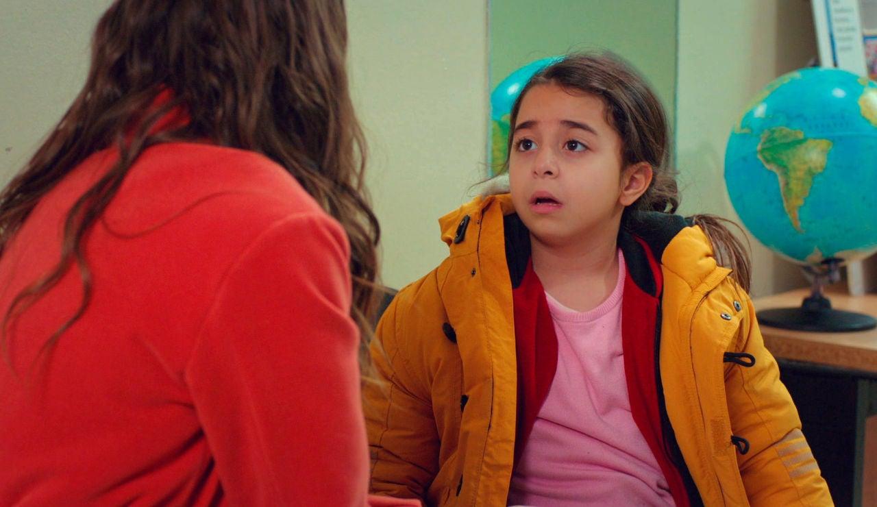 La petición de Öykü hace que Candan se replantee su inminente boda