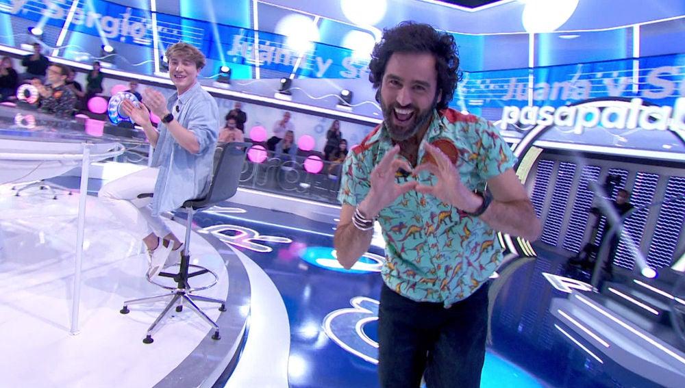 """Raúl Gómez triunfa con el tema de la serie televisiva de 'La Pista': """"Era como 'Love Island' pero en otro sitio"""""""